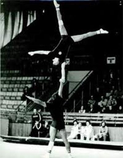 Спортна акробатика